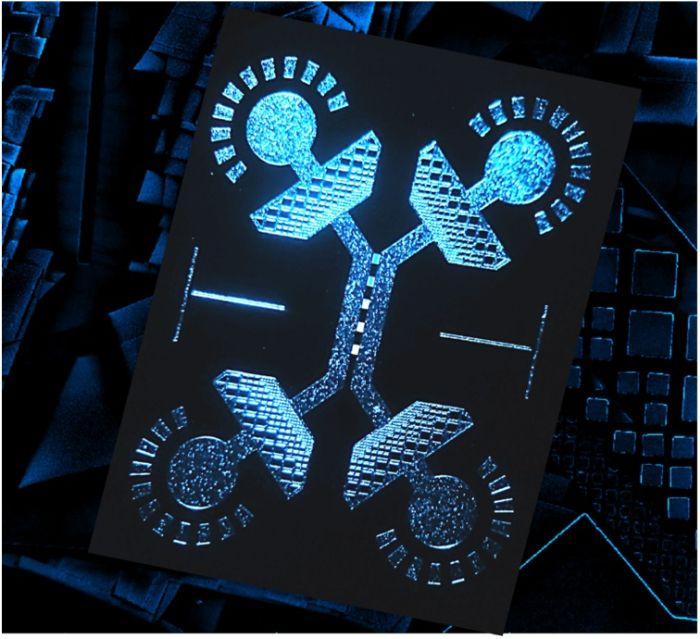 Bridging nanofluidics and microfluidics